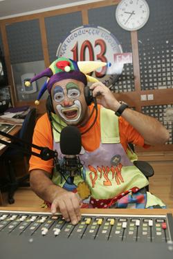 רדיו ללא הפסקה יום הולדת עם איציק הליצן